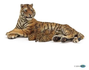 Слика на Тигрица што дои